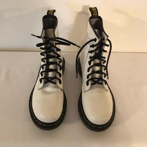 Dr . Martens 1460 Smooth White Boots Women's Sz 7